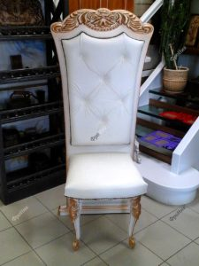 Классический стул из дерева на заказ