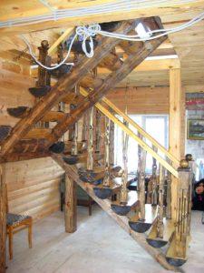 Искусственно состаренная лестница