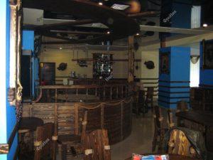 Интерьер кафе из дерева в Тюмени