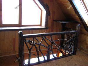Лестница из веток и коряг