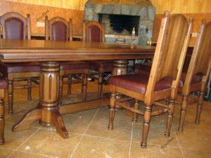 Стол и стулья на заказ для гостиницы
