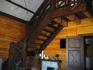 Лестница под старину в Тюмени