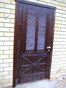 Входная дверь на улицу из дерева Тюмень в стиле кантри