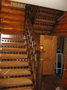 Лестница из массива дерева на заказ