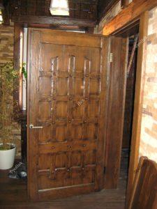 Дверца из дерева на заказ