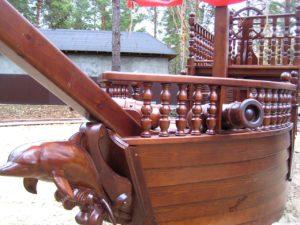 Резьба по дереву корабль