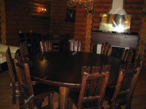 Круглый стол на кухню для большой семьи