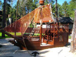 Корабль из дерева