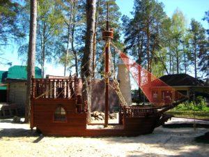 Деревянный фрегат