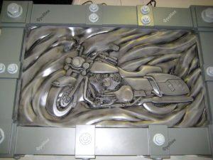 Резьба по дереву мотоцикл на стене