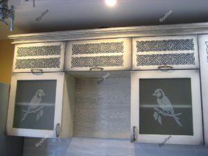 Кухонные шкафчики на заказ с птицами