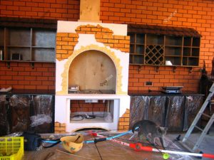 Кухонный гарнитур под кирпич на заказ в Тюмени