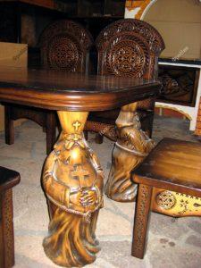 Стол с ножками поп