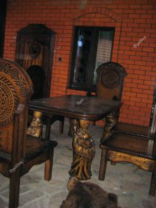 Обеденный стол на кухню на заказ в Тюмени