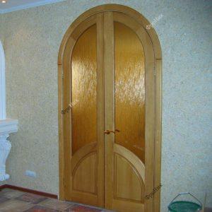Деревянная дверь из сосны со стеклом