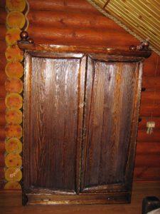 Шкаф под старину по индивидуальным размерам
