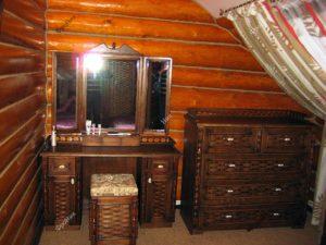 Мебель в спальню деревянного дома